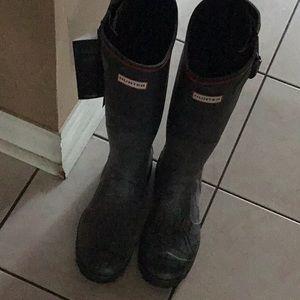 Hunter boots and children ski gloves